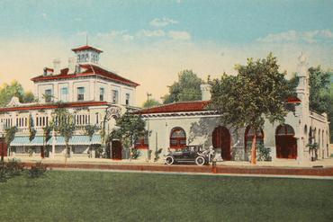 1915 mission inn post card 1